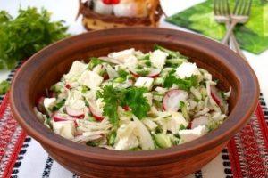 012-salat-iz-kapusty-ogyrcov-i-redisa